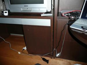 LANケーブルと電源確保