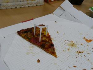 ピザを食べながら仕事