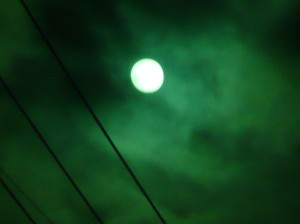 溶接用の色ガラスを使って太陽を撮影