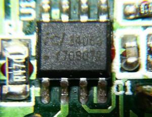 電源はよく使われるDCDCコンバータMC34063Aのセカンドソース品