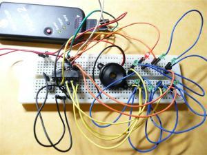 回路はブレッドボードでさっと作れる