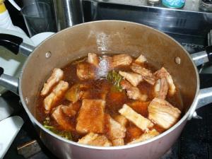 暫く煮込んで、味がしみてきたら、大さじ1杯の水とき片栗粉を加えて出来上がり