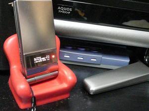 オーディオセレクターでD級アンプを切替えられるようにして、これで充電しながら音楽が聴けるようになった。