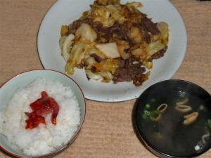 キャベツと牛肉の炒め物