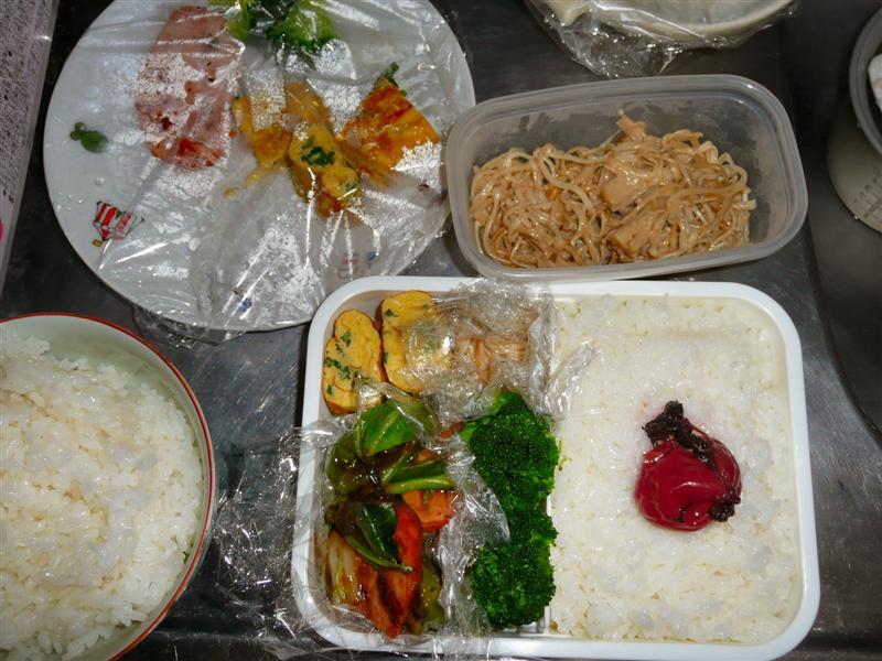 晩御飯と明日の朝ごはん、昼弁当を一気に作る