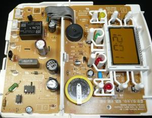 高圧部と低圧部に分かれて基板が構成