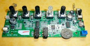 オペアンプはメジャーなLM324、電源はD/Dコンバータで安定して回路に供給されている