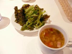 サラダ、スープは、何杯でもお代わりOk!