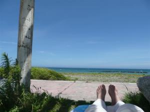 外房の海岸でくつろぐ