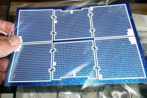 太陽電池パネルのステッカーが良く出来ている