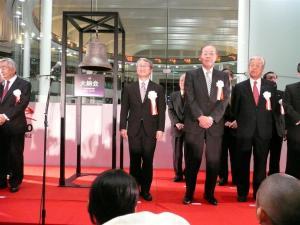 東証社長、斉藤 惇氏のご挨拶の後、はやぶさプロジェクトマネージャである川口淳一郎氏のご挨拶