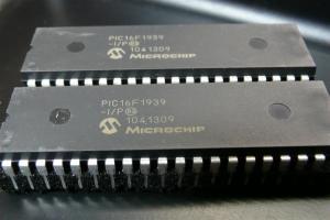 PIC16F1939-I/P