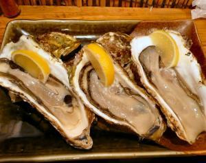 酒喰洲で牡蠣貝をいただく