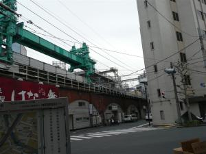 神田駅近くの線路