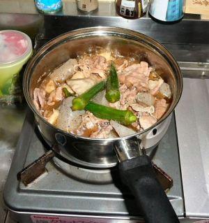 里芋とこんにゃくと豚肉の煮物