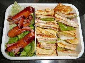 今日の弁当サンドウィッチ