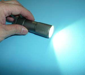 100均LEDライト「ランチャー9」改造
