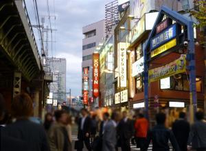 夕方の神田駅