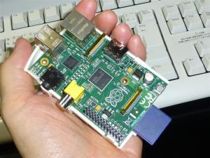 超小型パソコンRaspberry Pi到着