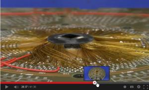 シリコンウェアをチェックするプローブが手配線