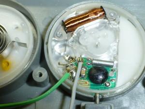 ボタン電池型時計を乾電池式に改造