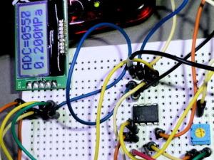 I2CLCD AQM0802AをPICマイコンで表示(PIC12F675)